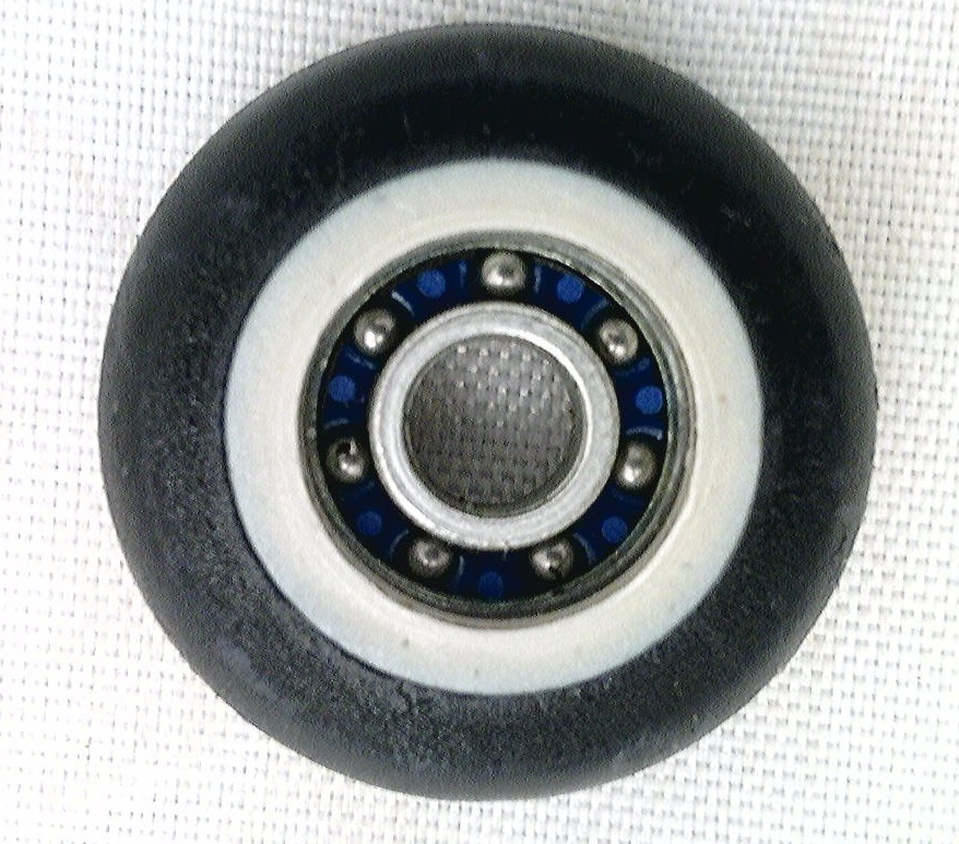5mm Bore Bearing with 27mm Plastic Tire Top view